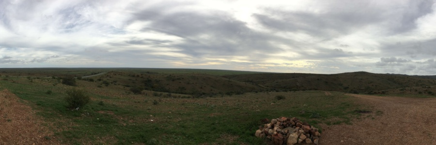 A panoramic view of... the Outback.  Amazingly remote it was skin-tingling stuff being there.