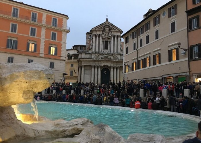 The crowds at the Trevi Fountain ...year round.