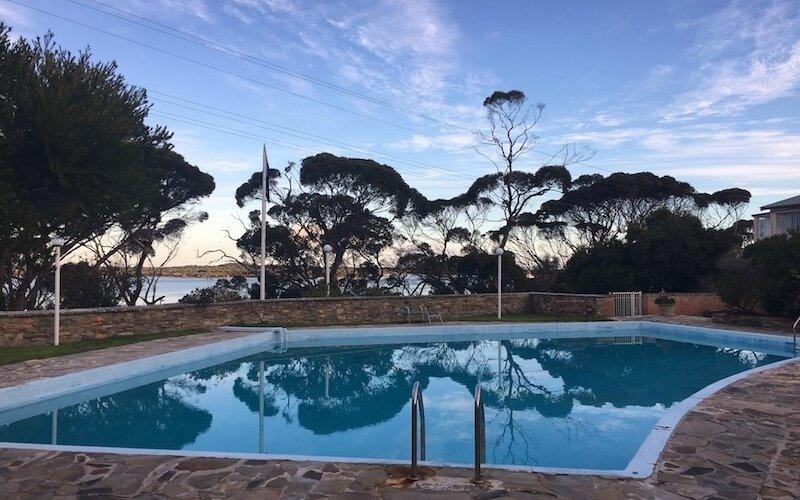 KI Lodge Pool