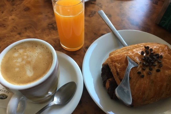 One of the best parts of the Camino -  fresh OK (Zumo de Naranja) and Chocolate Croissants